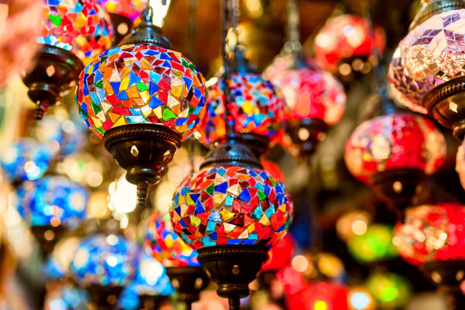 Türkische Lampen in allen Farben ? Bei Oriental Plaza können Sie rund um die Uhr Mosaik Lampen Bestellen. Orientalische Lampen kaufen Sie beim Spezialist !